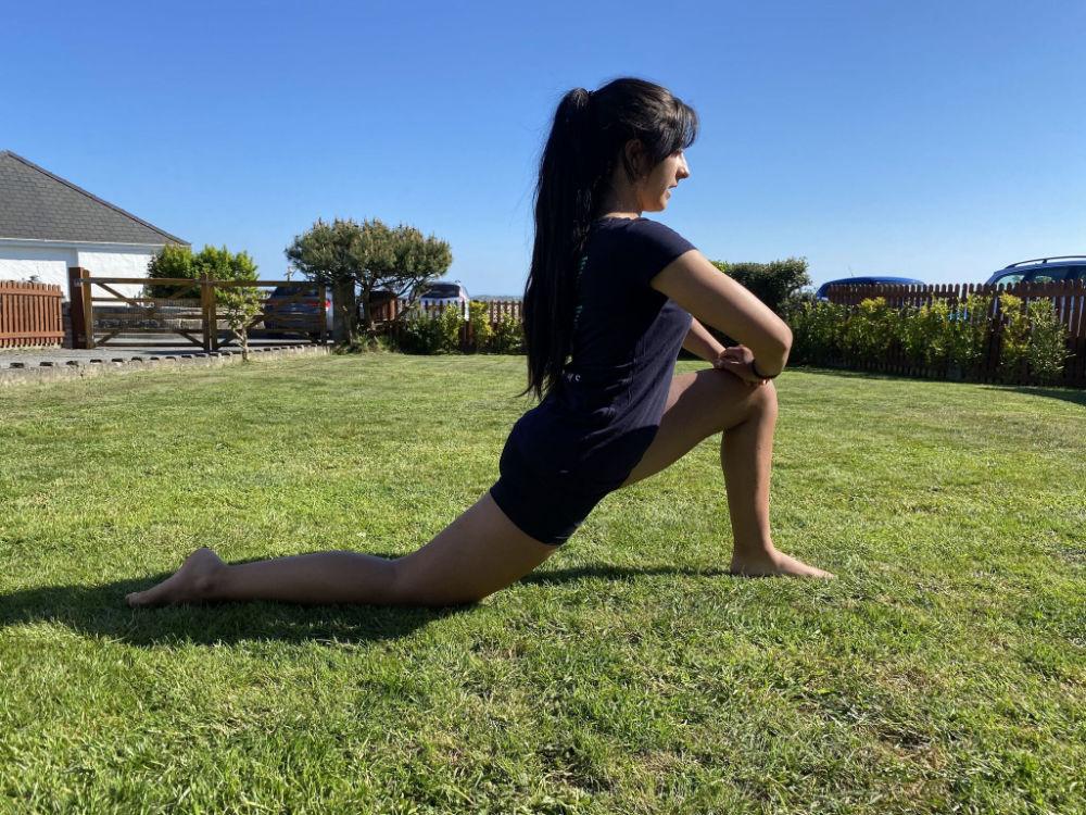 lunge hip flexor stretch